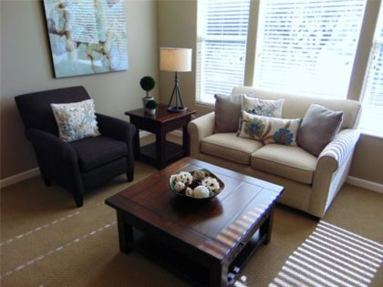 oakmont living room seating