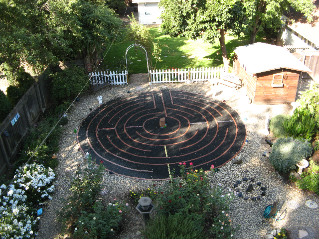 The Seeker's Garden: Walking in Peace – Labyrinths and the