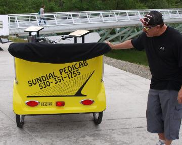pedicab-2