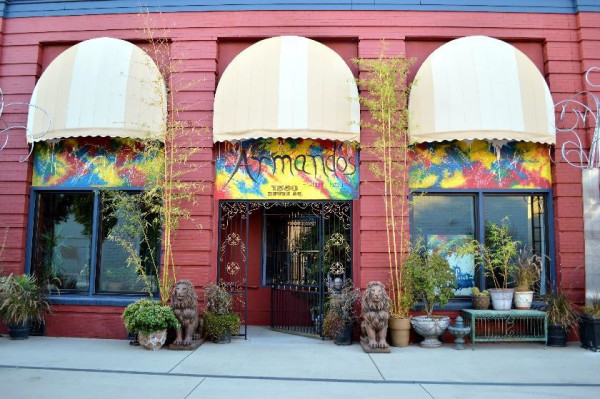 Armandos Gallery House