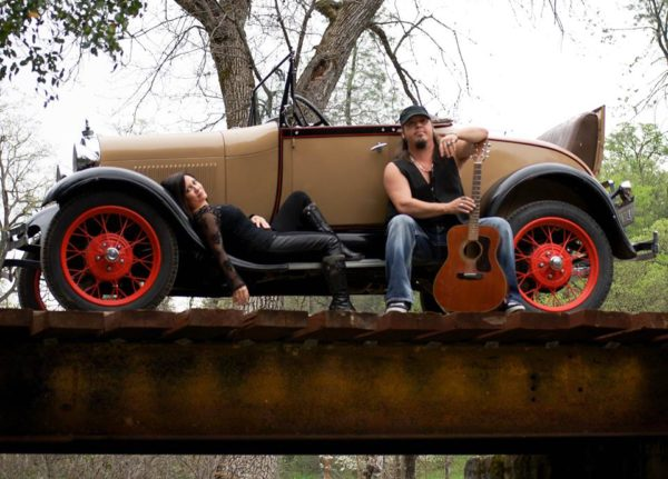 Morris -n- Love perform their New Year's Eve show at Kelly's Pub and Wine Bar, beginning at 8 p.m.