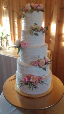 Doni and son Joe created this 5-tier, 27-inch-tall wedding cake.